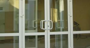 готовые пластиковые двери